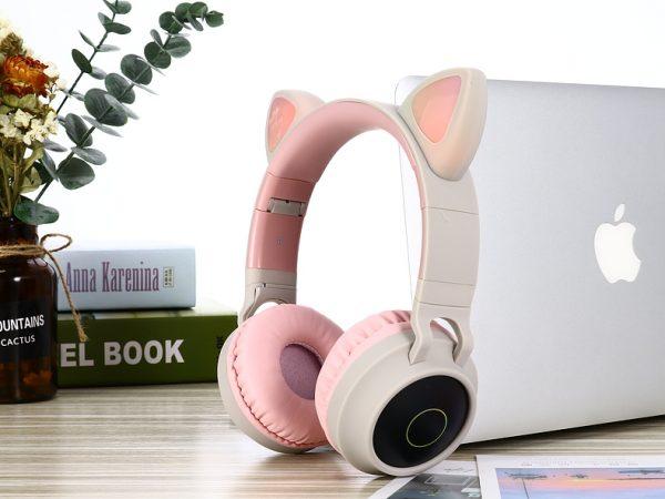 Écouteurs sans fil gris et rose